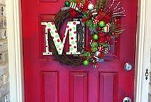 CHEERIE CHRISTMAS WELCOME / There nothing like an inviting home.