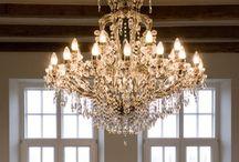Piekne lampy/beautiful lamps and lights / Interesting chandelier arrangements