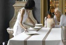 Tafellinnen Mirabel Slabbinck | Tablelinen Mirabel Slabbinck / In het prachtige tafellinnen van Mirabel Slabbinck, zie je al haar vakvrouwschap terug. Doordat u zelf de stof, de kleur en de accessoires bepaald, bepaalt u hoe de vakmensen van Mirabel Slabbinck uw nieuwe tafellinnen gaat maken!
