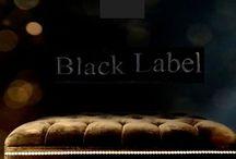 """Footstool bout de lit sur mesure / Tous nos footstools bouts de lit sont réalisés """"à vos mesures"""" dans nos modèles, avec un choix de 300 tissus et diverses options ( passepoil, cloutage tapissier, capitonnage ). Nous créons pour vous un objet unique."""
