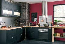 Kitchen / #Cuisine #pièce #vie #Cuisson #table #Hotte #Rangement #Four #Vaisselle #Évier.  La pièce de vie pour cuisiner est primordiale dans une maison. Qu'elle soit cuisine ouverte ou séparée, elle nous servira à mijoter de bons petits plats.