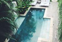 Swimming pool / #piscine #eau #water #bac #filtration #espace #aquatique #design #construction #bassin  Le rêve de chacun possédant une maison avec une superficie de terrain acceptant une piscine. Parce qu'un jardin a le droit à son agrément, le trou d'eau sera l'idéal pour les enfants comme pour les parents.