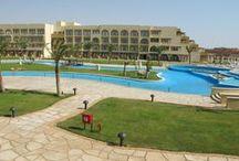 فندق موفنبيك سوما باى, الغردقة بمصر /  يقع على شاطئ خليج سوما وعلى بعد 30 كم من مدينة الغردقة