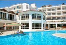 فندق مينا مارك بيتش ريزروت الغردقة, بمصر / يقع في وسط المدينه فى شارع الشيراتون ويبعد عن المطار بحوالي 7 دقائق