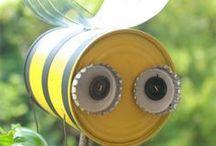 Frühlings-Bastelei / Endlich ist es da, der Frühling! Also auf geht es, schöne Blüten, bunte Schmetterlinge und süße Bienchen basteln!