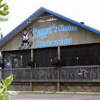 Cottage restaurants / Looking for a place to eat while staying at the cottage?  Check out these pics for restaurants near our cottages!!