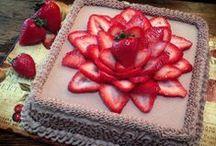 Raw vegan: cakes