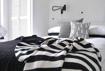 #bedroom / Moodboard de ma chambre à coucher idéale! Elle serait en black&white volontairement épurée et minimaliste dans un esprit scandinave tout en étant à la fois créative, cosy, chaleureuse et pratique. Simplicité, matériaux épurés et bruts et personnalisation (Ikea hack) sont les maîtres mots de ce Moodboard.