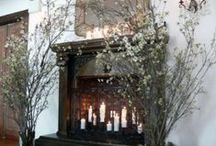 wedding fireplace / ideas for decorating fireplaces in your wedding venue