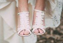 * Bridal shoes * / Wedding styling thema, samengesteld door Oh Happy Day. www.ohhappyday.nl