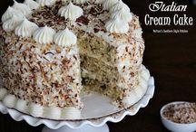 Cakes! / by Giselle Crisostomo N.