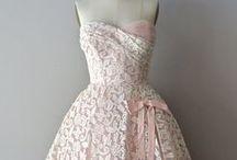 šaty / týká se šatů které bych chtěla