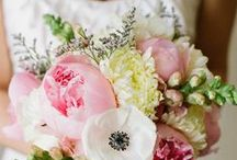 Wedding Flowers / by Chanell Lommers