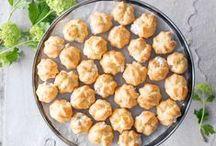 Zakuski / alkupalat / Venäläistyylinen runsas alkupalapöytä syntyy helposti venäläisen keittiön tuotteilla.