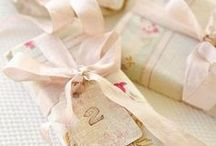 Cadeaux Shabby / Pour le Plaisir de faire Plaisir -   Parce qu'un cadeau personnalisé plait toujours plus !! / by La Vie Shabby