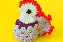 Easter Knit and Crochet / Knit and crochet projects to make for Easter, home decor, baby hats, egg cozies and more / by Knitca