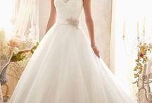Bridal Spring 2014 / Vestido de Novia Morilee Bridal Spring Collection 2014    #Vestidos #vestidosdenovia #matrimonio #boda #novia #wedding #weddingdress #lace #embroidery vestidos de novia, amor, vestidos, boda, matrimonio, mori lee, morilee, morileebridal