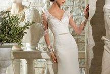 OFERTAS / En MORI LEE BRIDAL encuentras tu vestido soñado con el mejor descuento.  (Referencias y tallas especificadas en la descripción de cada fotografía) ¡Ven y aprovecha! HAS TU CITA DESDE ESTE LINK. http://www.morilee-bridal.com/agenda-tu-cita-colombia.html