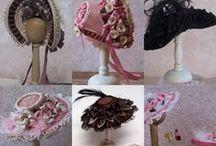 Miniature hats / hoeden