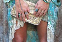 Boho look / Bohemian outfits, wardrobe ideas, boho style, hippie inspired, gypsy look,