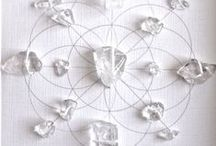 Mandalas / crystals Greed's, flower mandalas, inspiring altars. Wicca, tarot, natural magic, bohemian mood