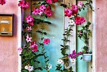 Painting Inspiration- Secret gardens / Beautiful places,  inspiration for art, paintings and drawings.  inspire Images for make more art,  ideas for drawings, paintings .colors , colours