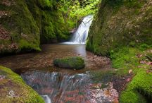 Waterfalls / Collection of images of Waterfalls around the world.