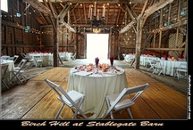 Stablegate Farms / The barn at Stablegate offers the perfect combination of elegance and warm country charm. The entire barn is the original restored natural wood with a new dance floor, ideal for dancing the night away!