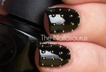 nails / by Sarah Saxton