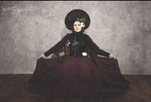 La Madame avec un chapeau / Photo&edit: Danny Worm - Photographer Makeup&hairstyle: Markéta Vaničková Model&concept: Margueritte Weinlich  Bonnet: Victorian Catherine Vine skirt: Emerald-Dream Decorations: DIY  #victorian #danny #worm #steampunk #historical #19th #corset #margueritte #weinlich #bonnet #aristocrat #photo #gothic #lady #madame #alternative #fashion #haute #couture #dark #emotive