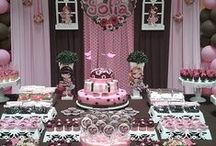 pretty dessert table setting / complete your party with rosielloons balloon decor / by Rosielloons