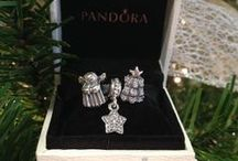 Holiday Gift Ideas / Discover wonderful PANDORA gift ideas and design inspiration for the holidays.