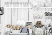 Cuisine. Kitchen. / Pratique à avoir dans la cuisne. Good to have in your kitchen.