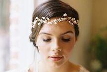 Ιδέες για χτενίσματα γάμου / Είσαι η πρωταγωνίστρια της βραδιάς και αξίζεις το καλύτερο νυφικό χτένισμα. Εμείς σου προτείνουμε τις πιο όμορφες ιδέες και προτάσεις!