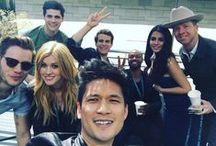 SHADOWHUNTERS CAST / tHIS sHAWHUNTER cAST hAS gIVEN uS eNOUGH pICTURES tO cREAT a BOARD jUST fOR THEM aND tHEIR cRAZY sTUFFS
