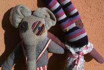 ri-creazione parapupazzi / pupazzi morbidi e caldi fatti con vecchie stoffe, vestiti dismessi e calzini. Per informazioni o ordini: ricreazione@icloud.com