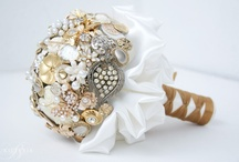 Brooch bouquets - gold