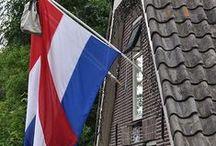 Typisch Holland  / Typisch Hollands, van pindakaas tot het Koningshuis
