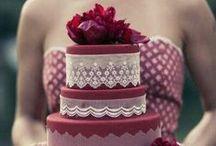 Marsala colore dell'anno 2015 / L'americana Pantone ha scelto il color Marsala come colore dell'anno 2015. Qui raccogliamo idee per torte e dolcetti in tema!