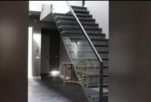 Glazen balustrades, vides en trapopgangen / Glas wordt steeds vaker toegepast als bij trapopgangen, als traphekje of voor het afschermen van de vide. Smaakvol en passend bij ieder interieur.