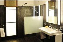 Glazen douchewanden / Laat je inspireren door badkamerinrichtingen met glazen douchewanden. Praktisch, mooi design en ruimtelijk!