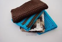 Crochet | Dish Cloths and Wash Cloths / A collection of free and paid crochet patterns and inspirations.