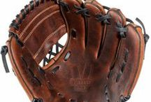 Right Hand Throw Gloves / These gloves are perfect for serious professionals, amateurs and those looking for a premium baseball & softball fielding glove for recreational use.  - See more at:http://franklinsports.com/shop/sports/mlb-baseball/fielding-gloves?cat=203