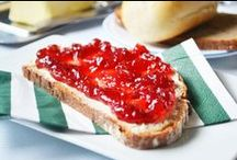 """Marmelade und Kompott / Ob in der süßen Mehlspeisküche oder zu deftigen Gerichten - Marmelade verleiht vielen Speisen den richtigen """"Kick"""" und eine interessante Geschmacksnote. Auch Kompott eignet sich toll als Beilage und ist perfekt für die Vorratskammer, damit man noch lange davon was hat."""