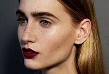 Beleza e Maquiagem! / by Karen Aguetone