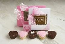 """Mother's Day / Show Mom some appreciation with our """"Mom"""" embellished brownies!"""