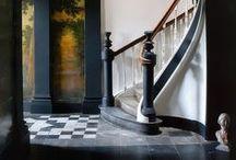 Staircases / Лестница в доме всегда является одной из самых важных изюминок интерьера. Помимо функционального назначения по соединению различных помещений, лестница аккумулирует в себе стиль и основные характеристики интерьера. Вариантов лестничной конструкции великое множество. Но все их можно разделить по типу строения. Это лестницы с пролетом, прямые и винтовые.