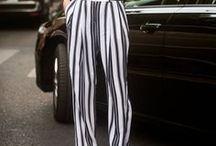 Weite Streifenhose - Outfits / Eine weite Streifenhose ist bequem und perfekt für den Sommer. Wie man sie kombiniert, seht ihr in dieser Sammlung.