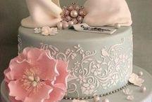 The Cake / Inspiration for a wedding cake.