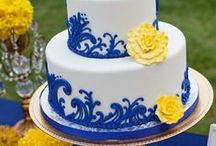 Wedding ♥ Cakes / In search of the simple, elegant blue and white cake design!